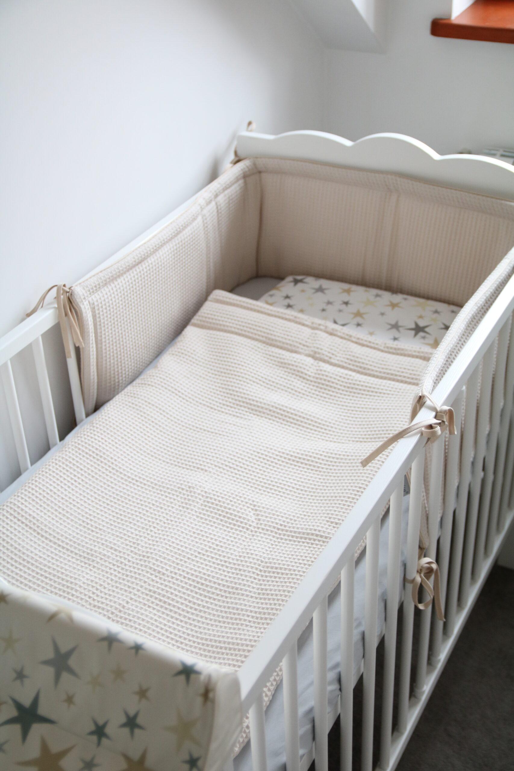 Hoofdbeschermer wafelstof beige Tiny Star | Baby's Paradijs | IMG 0294 scaled