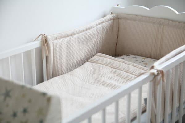 Hoofdbeschermer wafelstof beige Tiny Star | Baby's Paradijs | IMG 0295 1 scaled