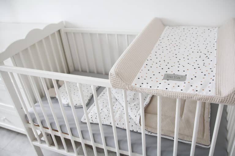 Aankleedkussenhoes Confetti beige Tiny   Baby's Paradijs   IMG 2090 scaled