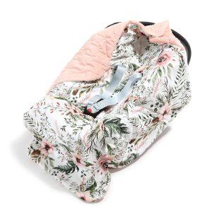 kocyk_do_fotelika_samochodowego_la_millou_velvet_powder_pink_wild_blossom_(1)